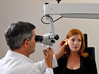 Beim Hörsturz sind die Hörzellen im Innenohr geschädigt