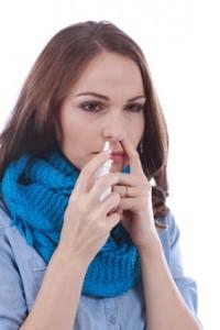 Der HNO-Arzt empfiehlt Nasenöle oder spezielle Kochsalzlösungen